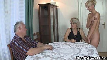 hot threesome with stepmom and stepdaughter that want to taste his young cock