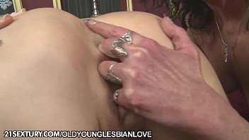 kitty in anal training part 1